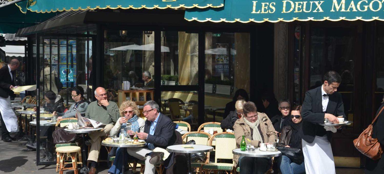 Journalist und Autor Ralf Nestmeyer mag das Café de Flore in Paris - hier gingen schon Jean-Paul Sartre, Simone de Beauvoir oder Juliette Gréco aus - Photo © Ralf Nestmeyer