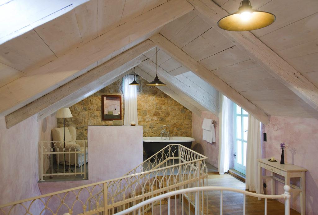 """Blick in die 60 Quadratmeter große Suite """"Lavender"""" des Hotels Balatura. Copyright: A.-K. Godec"""