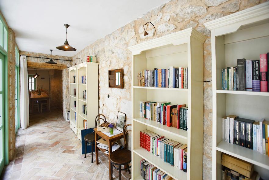 Im Hotel Balatura bieten die Gastgeber Lektüre aus aller Welt, gern vom Balkan. Copyright: Familie Godec