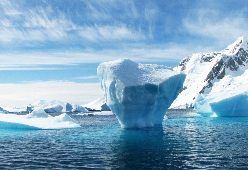 Iceberg. Credits: 358611 via Pixabay